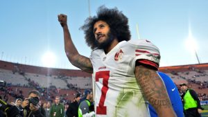 49ers give Kaepernick inspiration/courage award