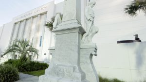 Dungy, Tampa teams help pay to move statue