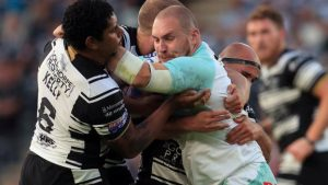 Hull FC survive scare to beat Widnes