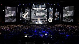 NHL Awards winners honor victims of tragedies