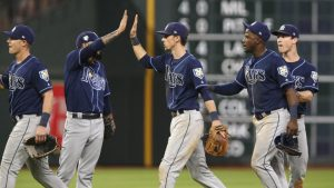 MLB Tuesday scores, highlights, live team updates, news: Astros' win streak ends at 12